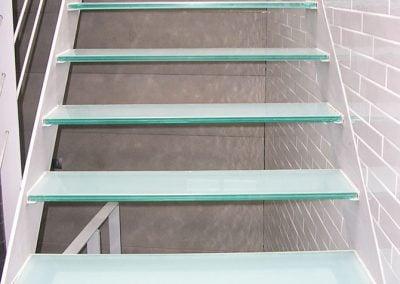 gadelval-fabricante-ventanas-en-aluminio-y-pvc-escaleras03