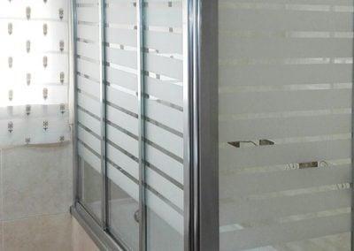 gadelval-fabricante-ventanas-en-aluminio-y-pvc-mamparas-al16
