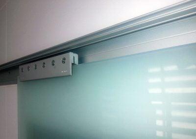 gadelval-fabricante-ventanas-en-aluminio-y-pvc-puertascristal10